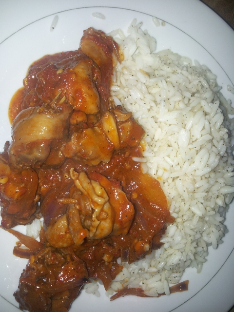 Chicken In Spicy Tomato Sauce and Garlic Rice Recipe