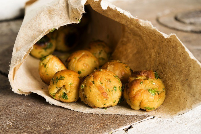 Buns with garlic and parsley