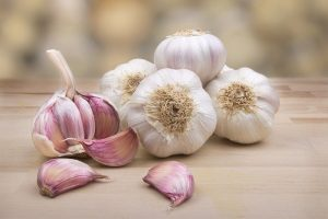 How to Tell If Garlic is Bad? And How To Use Garlic Appropriately