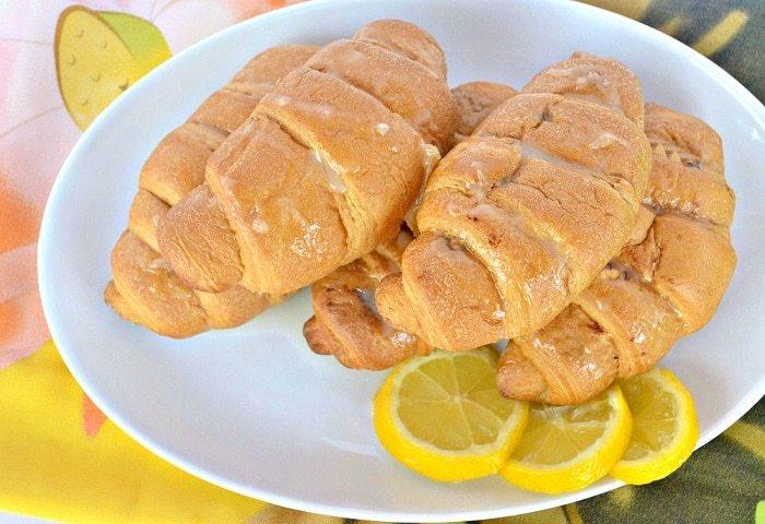 lemon-cheesecake-crescent-rolls-1-1